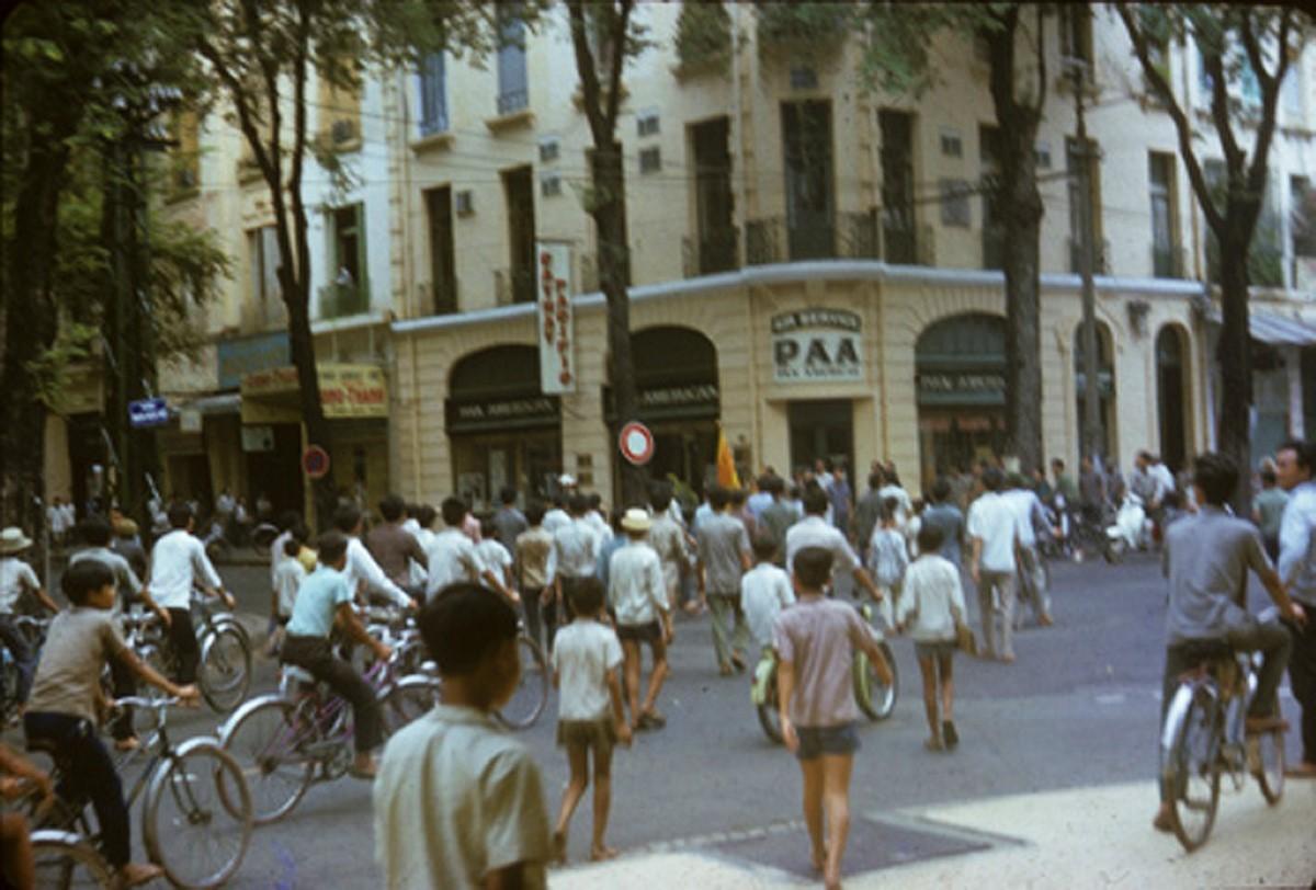 dao-chanh-o-sai-gon-1-11-1963-1632288866.jpg